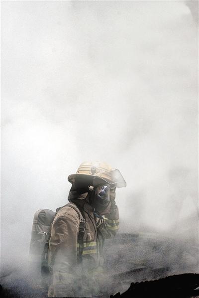 上海一车间发生火灾