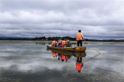 挪威邮轮遇险直升机救援